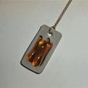 Arany csíkok nyaklánc, Ékszer, Gyűrű, Beton nyaklánc üveggel díszítve.   Méret:   2 cm x 4 cm , Meska