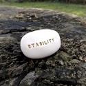 STABILITY - Kerámia Üzenetkavics, Dekoráció, Otthon, lakberendezés, Ékszerkészítés, Kerámia, Legyél egyedi minden pillanatban!  Válassz a meglévő feliratokból vagy találd ki saját üzenetedet  ..., Meska