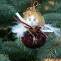 Angyalka, Dekoráció, Karácsonyi, adventi apróságok, Ünnepi dekoráció, Karácsonyfadísz, Baba-és bábkészítés, Mindenmás, A 8 cm magas angyalkák taft szoknyája csillagánizzsal, szegfűszeggel, narancshéjjal és fahéjjal van..., Meska