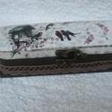 Madaras tolltartó, Fa tolltartó, melyet akrilfestékkel lefestettem,...