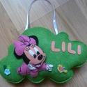 Minnie egeres névtábla - Lili (csanyijudit részére), Kézzel varrt Minnie egeres névtábla. A tábla m...