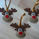 Rénszarvas fej karácsonyfadísz, Dekoráció, Ünnepi dekoráció, Karácsonyi, adventi apróságok, Karácsonyfadísz, Filcből készült, kézzel varrt rénszarvas fej karácsonyfadíszek.  Magasságuk akasztó nélkül kb.8cm.  ..., Meska