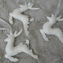 Filc szarvasok (suomis részére), Filcből készült, kézzel varrt szarvasok.