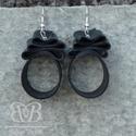 Masni fülbevaló, Ékszer, Fülbevaló, A fülbevaló használt kerékpárbelsőből készült, fém alkatrészekkel. Kb. 6 cm hosszú és 2..., Meska