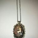Nyaklánc, Ékszer, óra, Nyaklánc, Nikkelmentes, antikolt ezüst  színű fém medálalapba ágyazott ékszergyurma medál, orvosi acél láncon ..., Meska