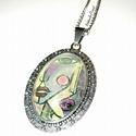Illusztrált medál láncon 'Eyes', Ékszer, óra, Nyaklánc, Saját festményem egyik részlete került üveglencse mögé, antikolt ezüst színű fém medálra. A medál al..., Meska