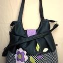 Fekete textilbőr táska pöttyökkel, virággal, Táska, Válltáska, oldaltáska, Szatyor, Fekete textilbőr táska. A/4-es mappa belefér. Felül 30 cm széles, 38 cm magas. Vállpánt 59 cm hosszú..., Meska