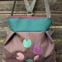 3in1 táska, Táska, Válltáska, oldaltáska, Szatyor, Textilbőr. 30 cm széles felül, 35 cm magas. Bélése lila kis virágos. Cipzáras. Belül van egy osztott..., Meska