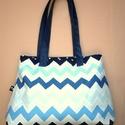 Kék fehér táska