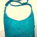 Türkiz levendula táska, Táska, Válltáska, oldaltáska, Szatyor, Laptoptáska, Türkizkék kordbársony táska, 32 cm széles, 25 cm magas középen mérve. Belül két zseb és egy kulcsnak..., Meska