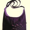 Sötétkék levendula táska, Lila kordbársony táska, 32 cm széles, 25 cm mag...