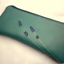 Levendulás tolltartó, Textilbőrből és hozzá illó béléssel készü...
