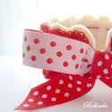 AKCIÓ! - Piroska - horgolt díszítésű karkötő, Piroska a Pötyi karkötő vidám, kislányos, pir...