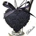 Nagyon fekete - nyaklánc horgolt díszítéssel, Sötét szépségű, mégis romantikus ékszer, a ...