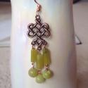 Jade fülbevaló, Ékszer, Fülbevaló, Réz alkatrészekből és jade gyöngyökből készült fülbevaló., Meska