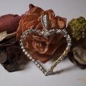 Be my Valentine - szív medál tűzopál gyöngyökkel, Ékszer, Esküvő, Esküvői ékszer, Nyaklánc, Ezüstözött (antiallergén) ékszerdrótból fontam ezt a szív alakú medált, és tűz opállal ..., Meska