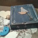 Matróz doboz, Otthon, lakberendezés, Tárolóeszköz, Doboz, Festett tárgyak, Fa doboz, egyedi matrózos mintával és kishajóval A kidobásra szánt dobozt kékkel antikolva festette..., Meska
