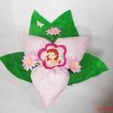 Textil virág kitűzővel kislányoknak - rózsaszín kockás, Baba-mama-gyerek, Dekoráció, Csokor, Egyedi elképzelés alapján készült textil virág csokor, közepén egy levehető kitűzővel.  K..., Meska