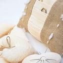 Gyöngy füzéres gyűrűpárna, Esküvő, Egyéb, Egyedi tervezésű gyűrűpárna barack színű taft illetve zsákvászon kombinációjából született. Díszítés..., Meska