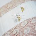 Mályva egyedi gyűrűpárna, Esküvő, Egyéb, Menyasszonyi ruha, Nászajándék, Egyedi tervezésű gyűrűpárnánk ekrü színű csipke és kétféle  taft  kombinációjából született, kifejez..., Meska