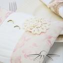 Rózsaszín brokát gyűrűpárna, Esküvő, Egyéb, Menyasszonyi ruha, Nászajándék, Egyedi tervezésű gyűrűpárnánk rózsaszínű mintás brokát és krém  taft  kombinációjából született, kif..., Meska