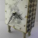 A fehér Nyúl - óra, Az Alice csodaországban c. könyvhöz John Tennie...
