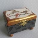 Verebes doboz, Kis méretű, de nagyon elegáns, szalvétatechnik...