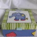 Foltos  elefánt - doboz, Hála a tetején lévő, kissé ütött-kopott ele...
