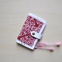 Piros fehér mintás kártyatartó/kártyarendező, Baba-mama-gyerek, Baba-mama kellék, Sok-sok akár 24 db kártya tárolására alkalmas, plussz két belső zsebbel, melyben még egy-egy nagyobb..., Meska