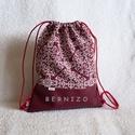 Bordó mintás - bordó textilbőr hátizsák, Táska, Hátizsák, Designer pamutvászon és textilbőr kombinációjában készült 2 rétegű hátizsák.  Belseje pa..., Meska