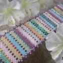 Rainbow, Szivárványszínű karkötő a hippi agymenéseme...