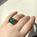 Zöldes csillámos gyanta és fa gyűrű - 18 mm , Ékszer, Gyűrű, Különleges csillámos zöldes gyűrű.   Belső átmérője 18 mm , Meska