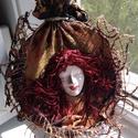 Vörös Démon Falikép, otthon, lakás, dekoráció, Dekoráció, Képzőművészet, Kép, Textil, Festészet, Újrahasznosított alapanyagból készült termékek, Textilszobrászati technikával készítettem ezt a képemet is.  A Vörös Démon címet adtam neki. Az arc..., Meska