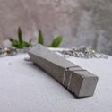Egyedi csavart beton nyaklánc, Ékszer, óra, Medál, Nyaklánc, Ékszerkészítés, Elegáns beton medál, amely különlegességét a csavart forma adja. Szürke cement  felhasználásával ké..., Meska