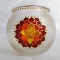 Mini gömböcske, Dekoráció, Otthon, lakberendezés, Gyertya, mécses, gyertyatartó, Mini gömb mécses, mandala mintával.  Méret: kb. 8cm  Színei: arany kontúr, arany csillám, piros, bur..., Meska