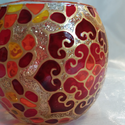 Mini gömböcske, Otthon & lakás, Dekoráció, Lakberendezés, Gyertya, mécses, gyertyatartó, Mini gömb mécses, mandala mintával.   Méret: kb. 8cm  Színei: arany kontúr, arany csillám, sárga, na..., Meska