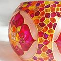 Nagy mandalás gömb, Otthon & lakás, Dekoráció, Lakberendezés, Gyertya, mécses, gyertyatartó, Nagyobb méretű mandalás gömb mécses.  Méret: kb. 11cm  Színei: arany kontúr, opál, sárga, narancs, i..., Meska