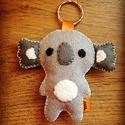 Koala filc kulcstartó/táskadísz, Mindenmás, Kulcstartó, Cukorfalat pici maci,koala imádóknak :-) Teljes egészében kézzel készítettem.Egyaránt jól mutat tásk..., Meska