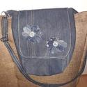 Virágos farmer válltáska, Táska, Válltáska, oldaltáska, Erős farmerből készült táska, 28x26x10 cm. belül két zsebbel. Farmerhez, tökéletes választ..., Meska
