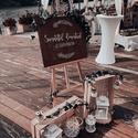 Esküvői tábla dekoráció bérlésre, Szeretnéd, hogy az esküvődet kalligrafikus táb...