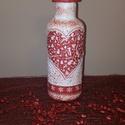 Piros-fehér rénszarvasos karácsonyi váza, ünnepi dekoráció, Dekoráció, Otthon, lakberendezés, Ünnepi dekoráció, Kaspó, virágtartó, váza, korsó, cserép, Decoupage, transzfer és szalvétatechnika, Piros-fehér szives, rénszarvasos karácsonyi váza, ünnepi dekoráció  A piros-fehér színvilágot kedve..., Meska