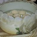 Fehér rózsa úsző gyertya üveg tál fehér gyertyával esküvőre, eljegyzésre leánybúcsúba legénybúcsúba nászajándékba, Esküvő, Szerelmeseknek, Esküvői dekoráció, Nászajándék, Decoupage, transzfer és szalvétatechnika, Fehér rózsa úsző gyertya üveg tál fehér  gyertyával esküvőre, eljegyzésre, leánybúcsúba, legénybúcs..., Meska