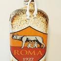 As Roma foci rajongói ajándék - italos dísz- és használati üveg. , Férfiaknak, Sör, bor, pálinka, Legénylakás, Focirajongóknak, AS Roma foci rajongói ajándék - italos dísz- és használati üveg.   Űrtartalma: 750-1000 ml Rendelhet..., Meska