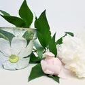 Írisz fehér virágos kaspó virágcserép névnapra, szülinapra pedagógusoknak nyugdíjas búcsúztatóra virágot kedvelőknek. , Dekoráció, Otthon, lakberendezés, Ünnepi dekoráció, Kaspó, virágtartó, váza, korsó, cserép, Decoupage, transzfer és szalvétatechnika, Írisz fehér virágos kaspó, virágcserép névnapra, szülinapra, pedagógusoknak, nyugdíjasoknak  virágo..., Meska