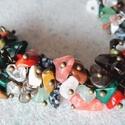 Színes szépség, Ékszer, Nyaklánc, A karlánc a következő anyagokból készült:  - ásványgyöngyök (malachit, málnakvarc, türki..., Meska