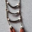 Bohém elegancia, Ékszer, Nyaklánc, A nyaklánc a következő anyagokból készült:  - bronz-szürke és fehér gyöngyök - festett zs..., Meska
