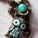 Koko kékben, Ékszer, Nyaklánc, A nyaklánc a következő anyagokból készült:  - türkiz kék gyöngyök - lánc - fém alap és ..., Meska