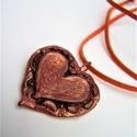 Bronz szív medál - keretes, Ékszer, Szerelmeseknek, Anyák napja, Medál, Ékszerkészítés, Gyurma, Ez a saját fejlesztésű Plast-Kitt süthető gyurmámból készült teljesen egyedi, szép, bronz csillogás..., Meska