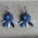 Kék Gerbera fülbevaló, Ékszer, Fülbevaló, A fülbevaló a Gerbera medálhoz készült saját ötlet alapján, Swarovski rivoli, cseh Dagger é..., Meska