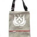 farmer-vászon táska fehér matyó virággal , Az egyedi tervezésű táska alapanyaga vastag, ta...
